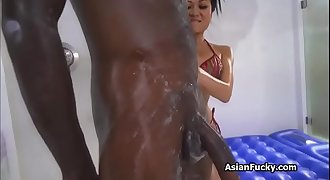 Bigtit Asian masseuse on BBC